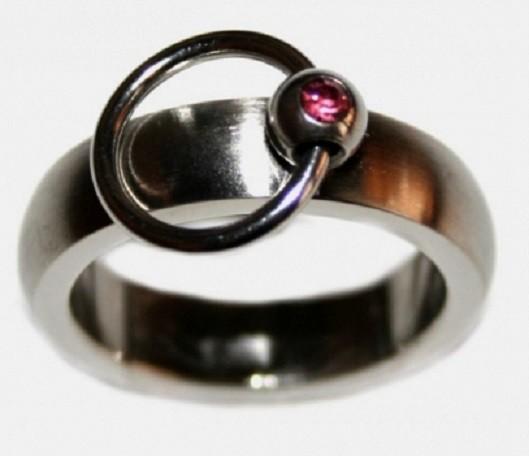 BDSM Ring der O mit Steinchen