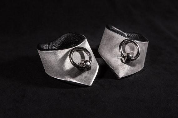 Edle Fesseln der O aus Edelstahl Spitz 30/50 mm