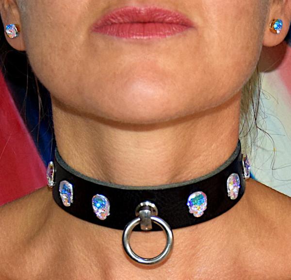 Edles PREMIUM SKULL Halsband der O mit SWAROVSKI Kristallen und Magnetverschluss - Maßanfertigung